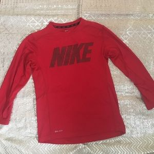 Nike dri-fit long sleeve shirt. Red Sz Small youth